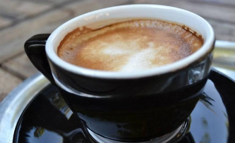 Caffè e Burro Al Mattino: una Miscela Brucia-Grassi