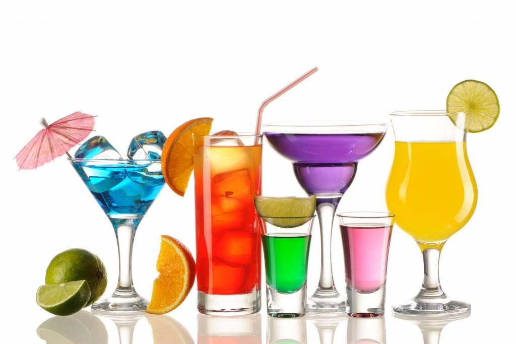 Drink alcolici: aumentano i casi di intossicazione tra gli under 15