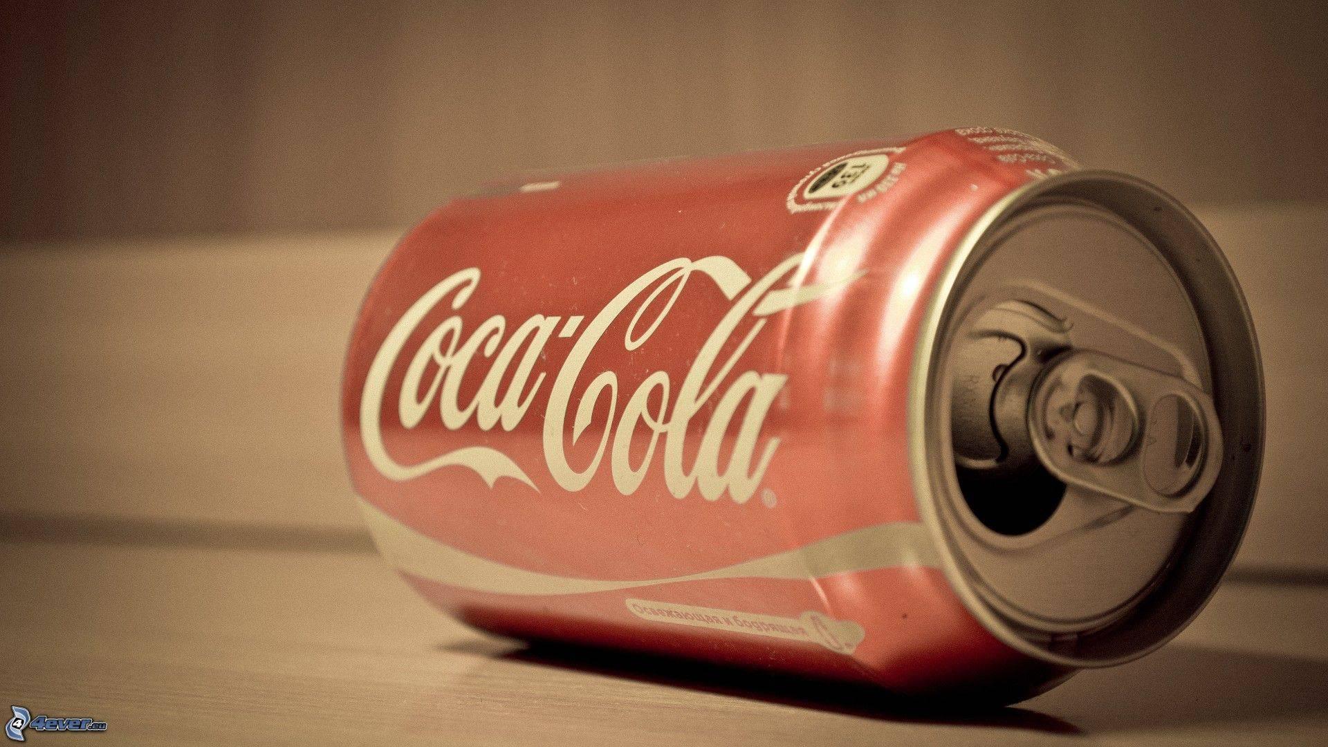 Via la Coca-Cola dalle scuole: sarà sostituita dai succhi di arancia