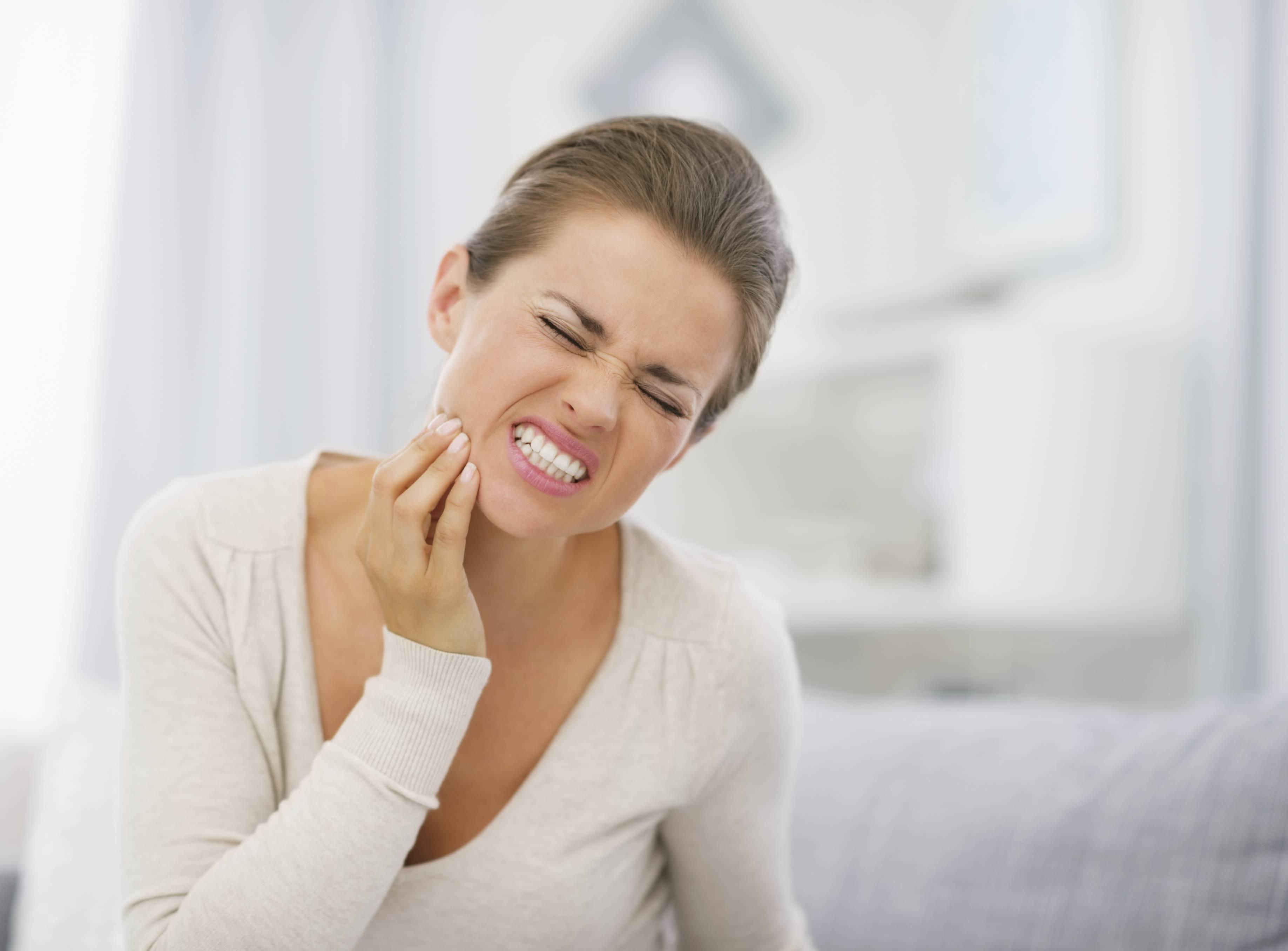 I 7 Rimedi Naturali Per Calmare Il Mal Di Denti