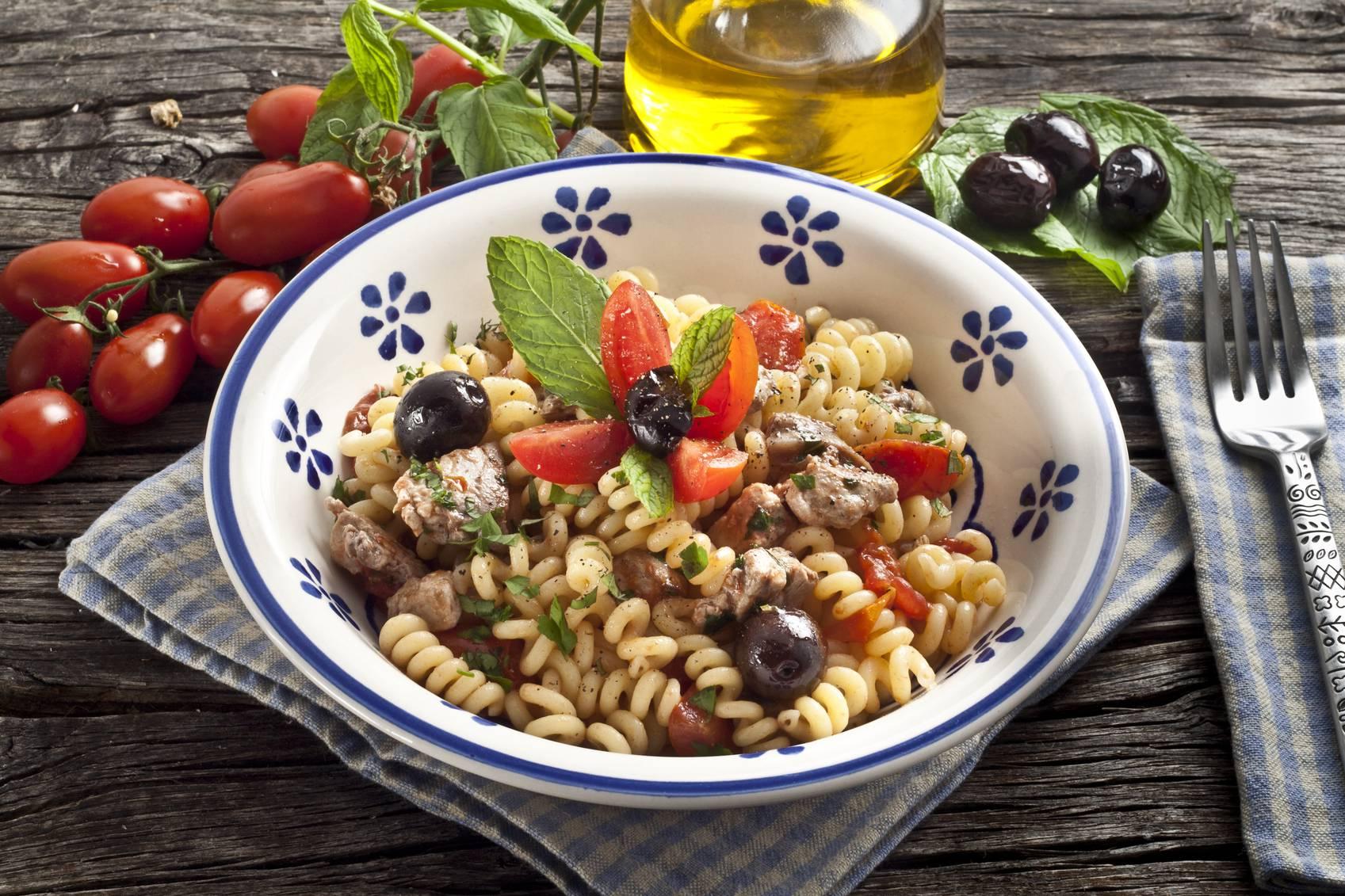 Fusilli alle olive, un primo piatto semplice pronto in pochi minuti