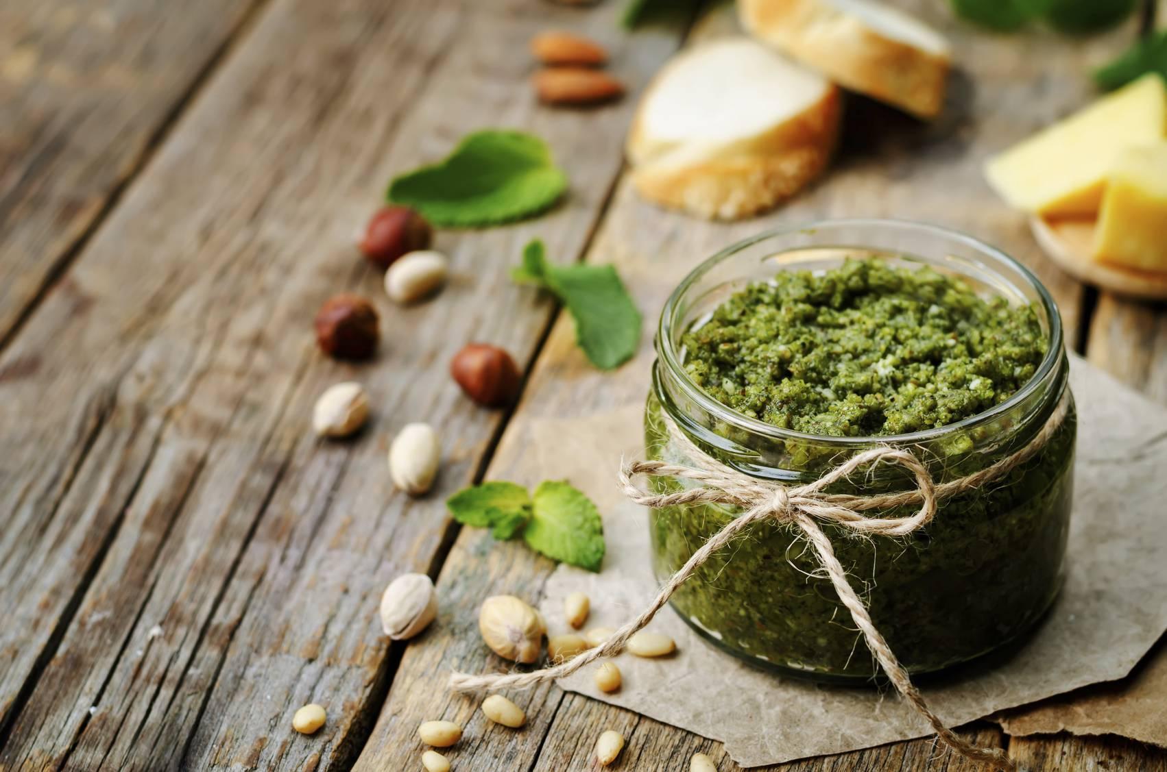 Pesto di pistacchi e zucchine, un condimento gustoso in pochi minuti