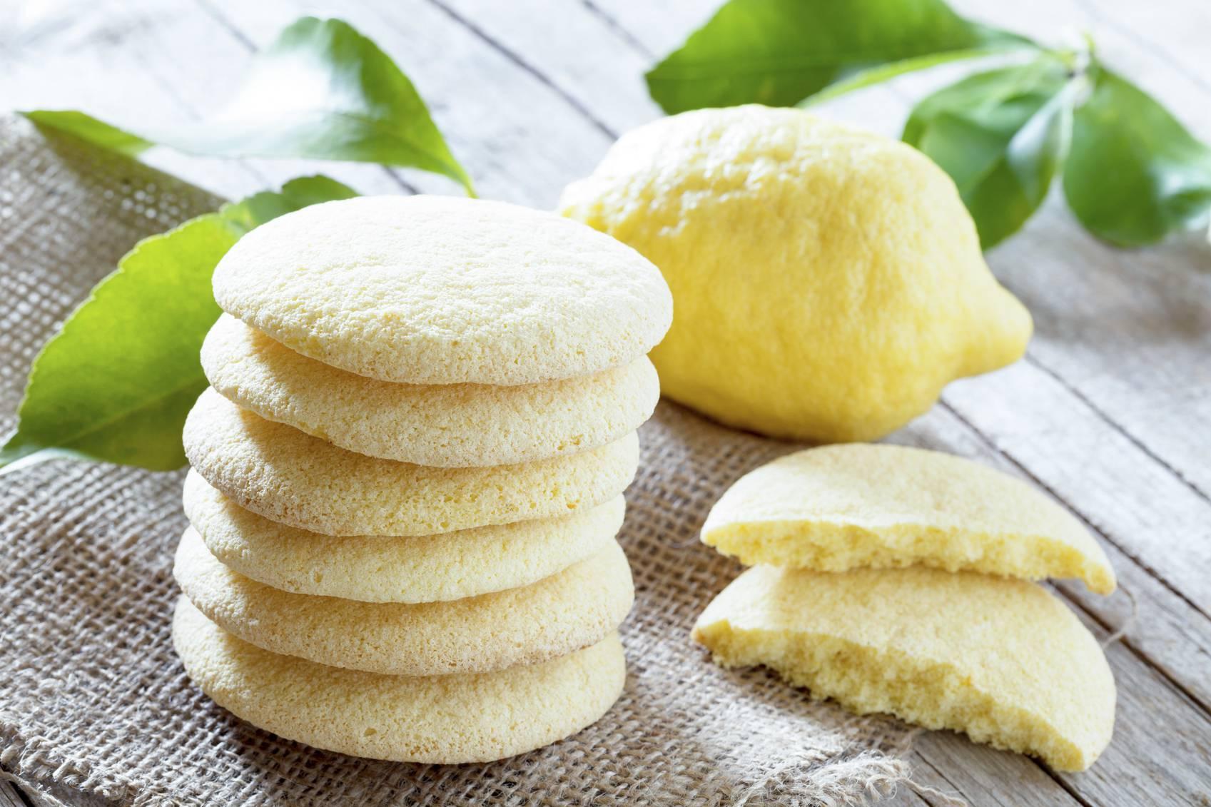 Biscotti al limone senza uova, la ricetta semplice per una gustosa merenda