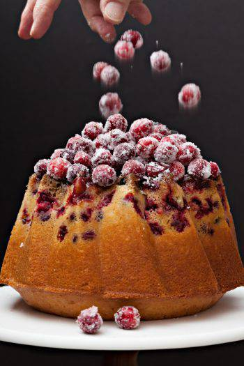 Decorating A Christmas Cranberry Cake