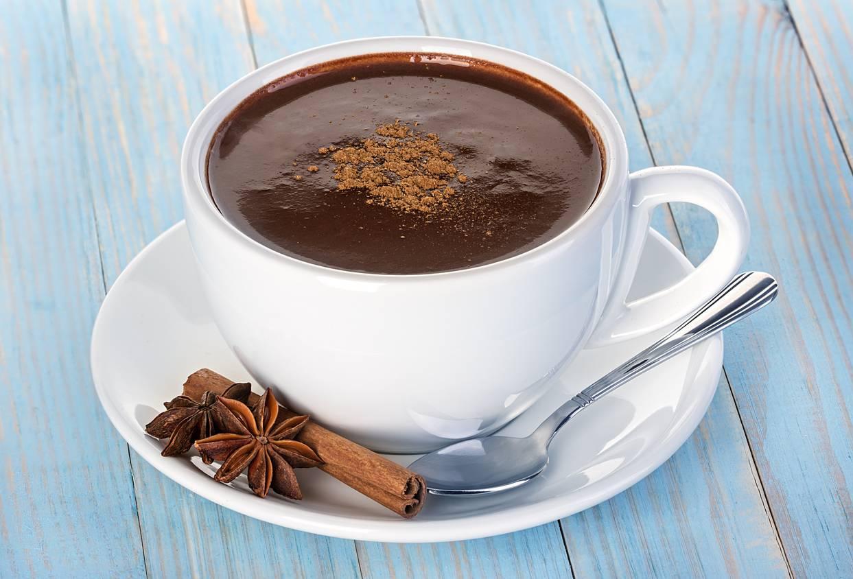 Cioccolata calda senza latte, la ricetta leggera per una bevanda irresistibile