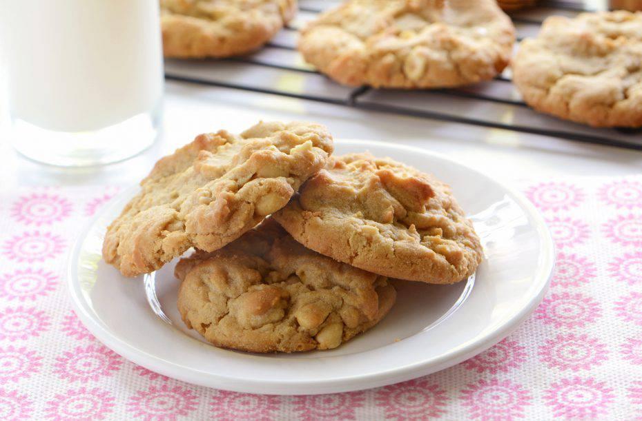 Biscotti al cioccolato bianco e cocco