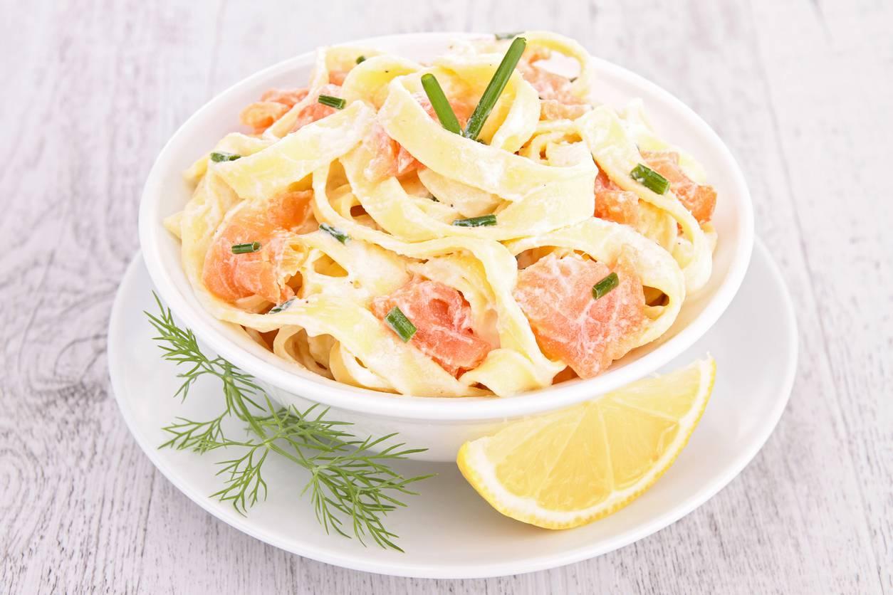 Tagliatelle al salmone, un piatto prelibato pronto in pochi minuti