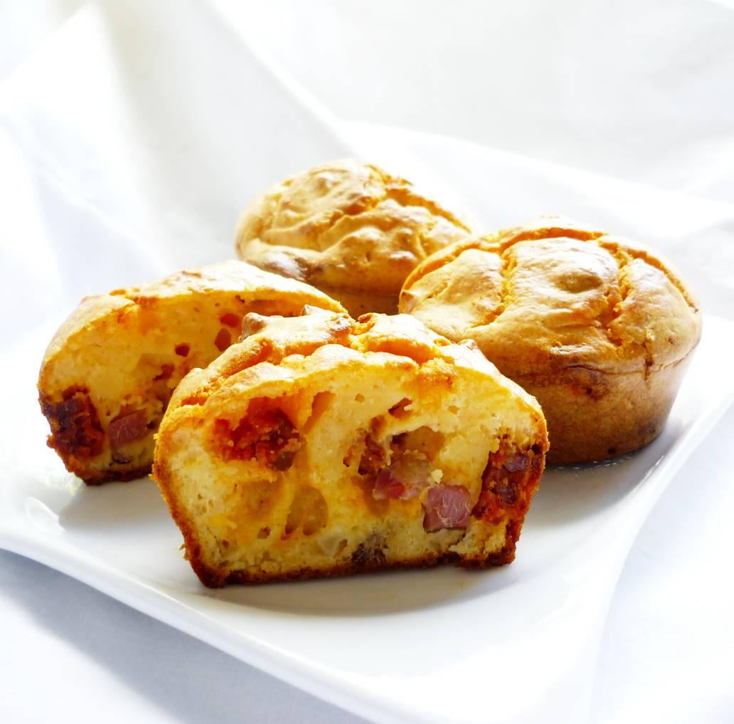 Muffin wrustel e scamorza, la ricetta saporita pronta in pochi minuti