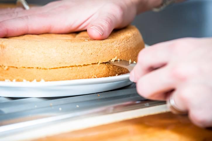 Pan di spagna salato, la ricetta per un antipasto soffice e irresistibile