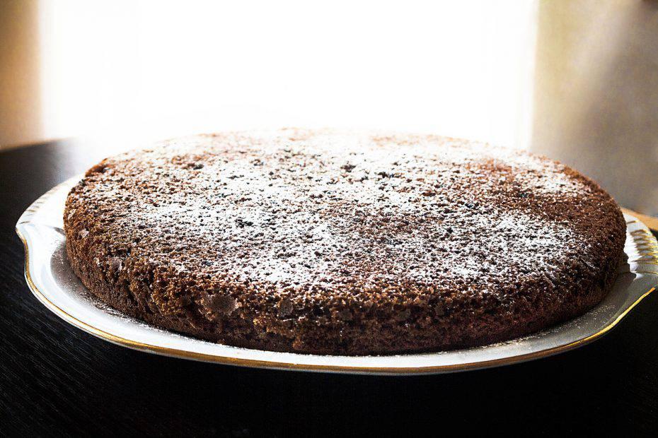 torta al vino rosso e cannella