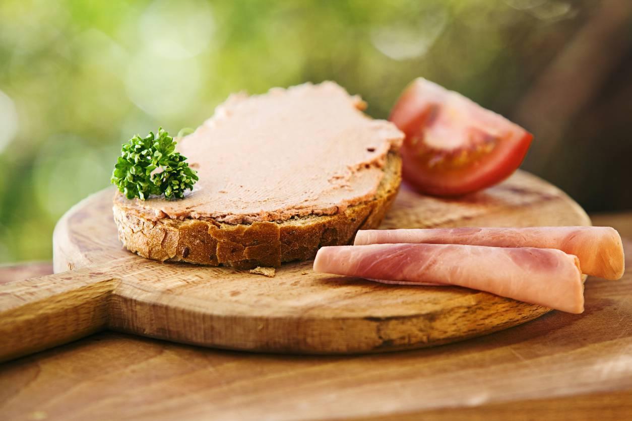 Patè di prosciutto e formaggio, la ricetta in pochi minuti senza cottura