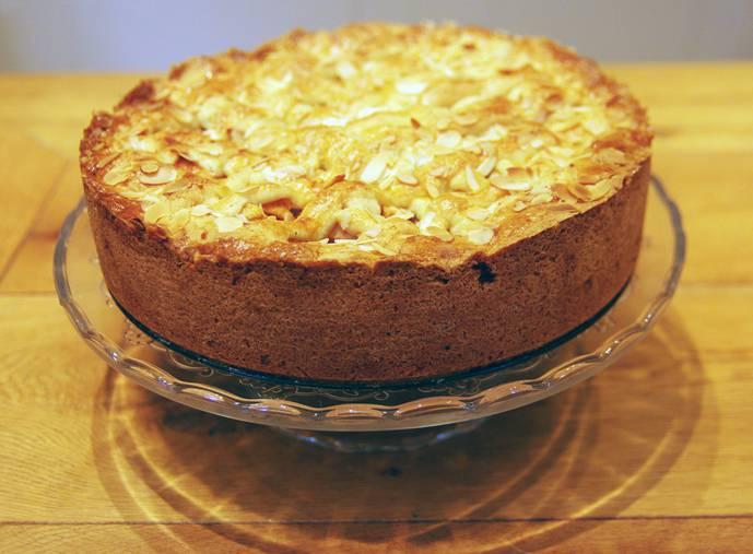 Torta di mele mandorle e miele, la ricetta golosa senza burro