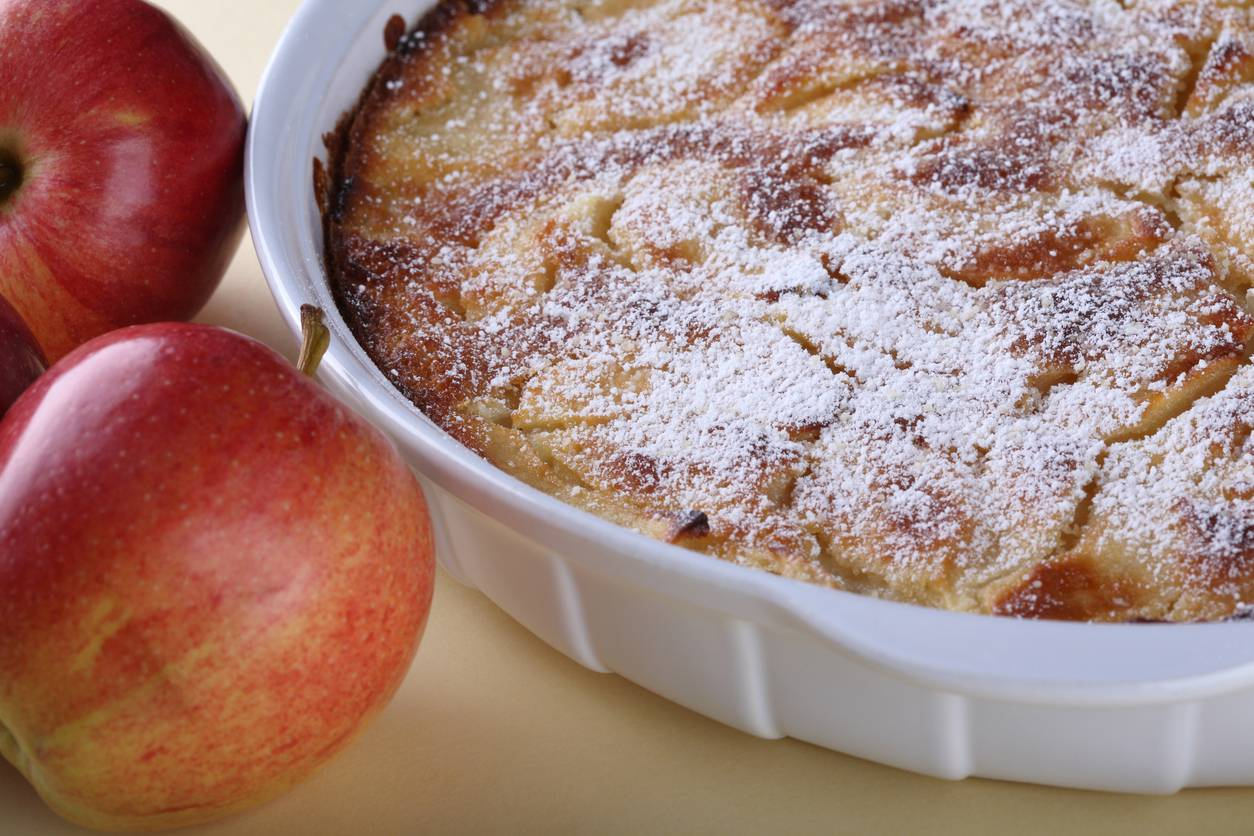 Torta di mele all'arancia, profumatissima, deliziosa e molto semplice da preparare