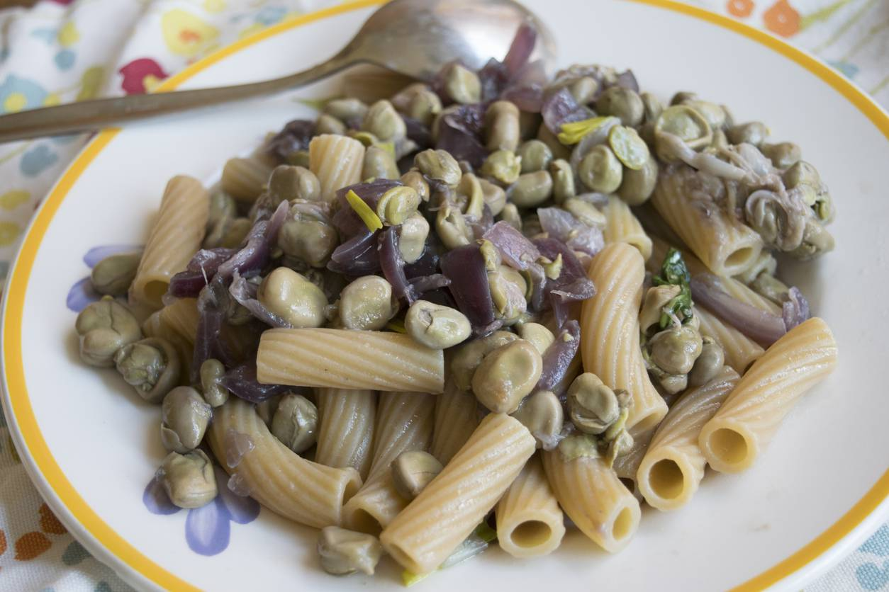Pasta con Fave e Cipolla