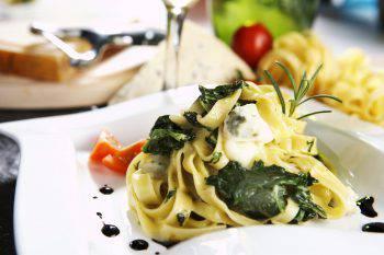 Tagliatelle con Ricotta e Verdure