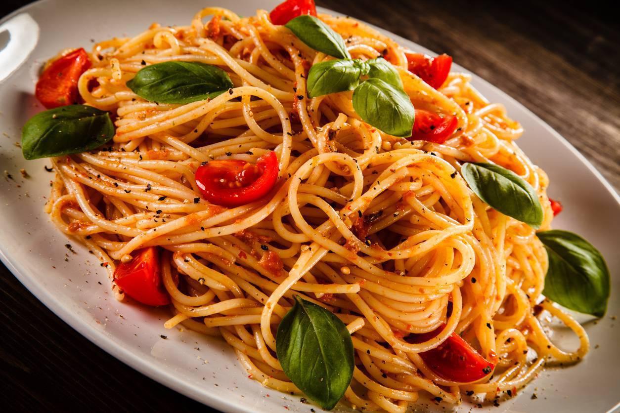 Spaghetti alla milanese, la ricetta per un primo piatto saporito e profumato