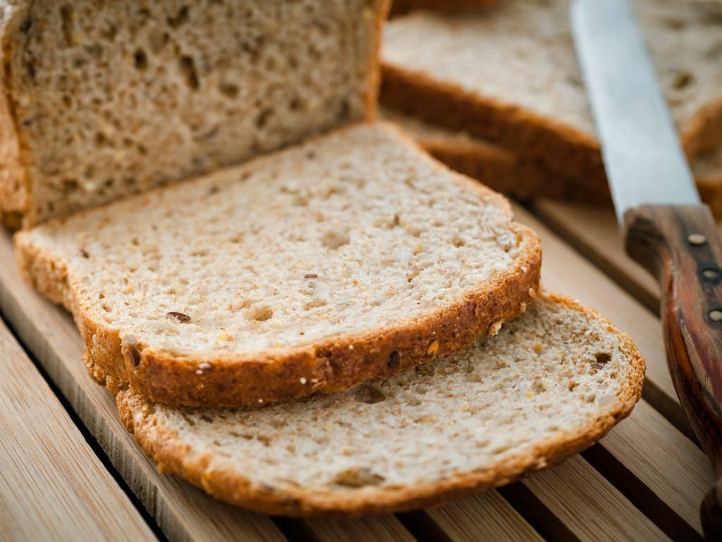 Pane fritto salato, la ricetta povera per un antipasto gustosissimo
