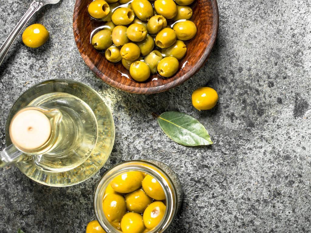 Olive in salamoia, la ricetta calabrese semplice da preparare