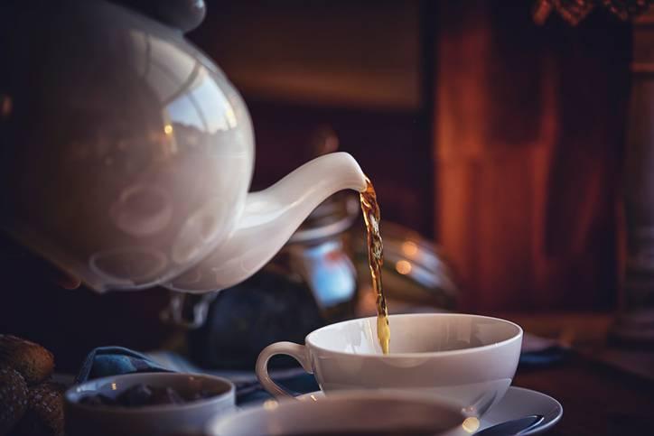 Tè e caffè fanno bene al cuore, ma i latticini…