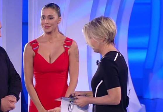 """Come fa Maria De Filippi a tenersi in forma: """"Grazie a Belen Rodriguez"""""""