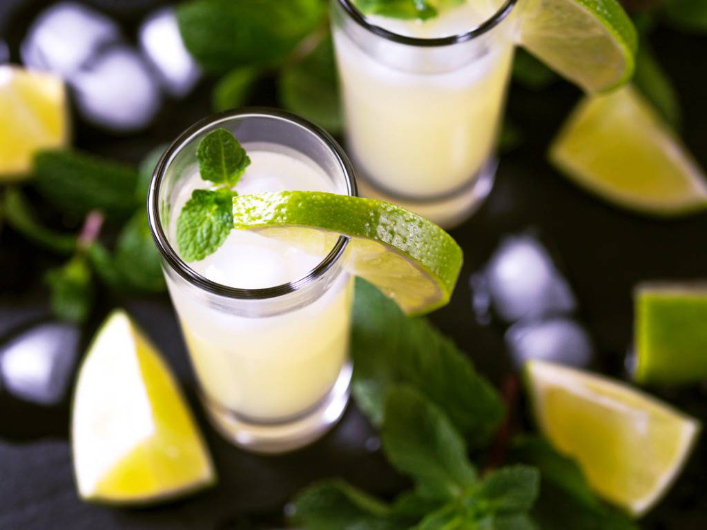 Vodka sour, la ricetta facile e veloce per un cocktail fresco e gustoso