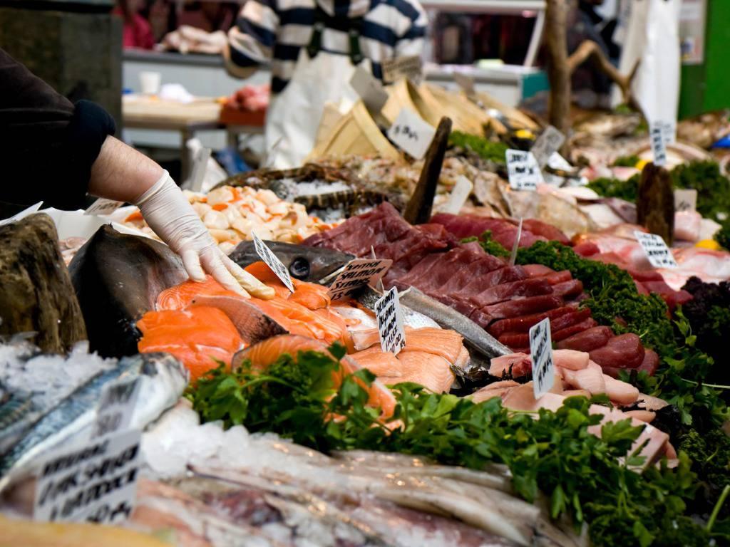 Menù Natale 2018: come scegliere il pesce migliore in pescheria? Ecco alcuni consigli