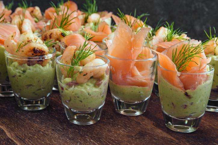 Antipasti Di Natale Al Salmone.Come Preparare L Avocado E Salmone L Antipasto Di Natale Piu Apprezzato
