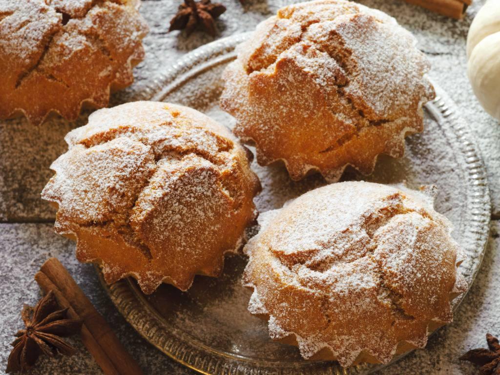 Muffin carote e mandorle, dei dolcetti golosi e sfiziosi per il mattino