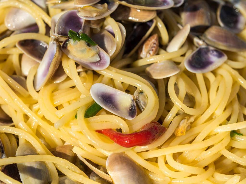 Menù di Natale, spaghetti alle telline: un piatto gustosissimo e veloce da preparare