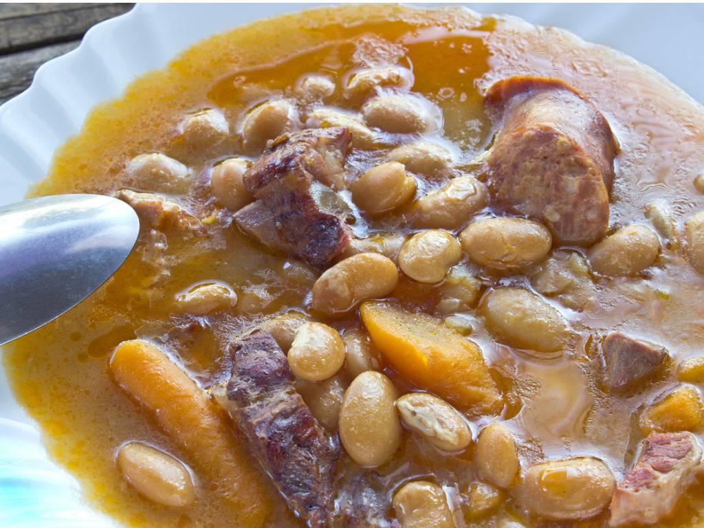 Fagioli con cotiche, un piatto ricco e salutare da preparare