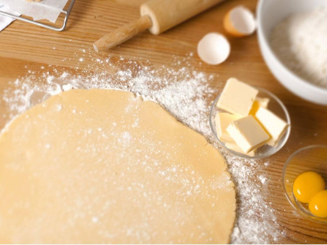 Pasta frolla con farina di riso, leggerissima, gustosa e facile da preparare