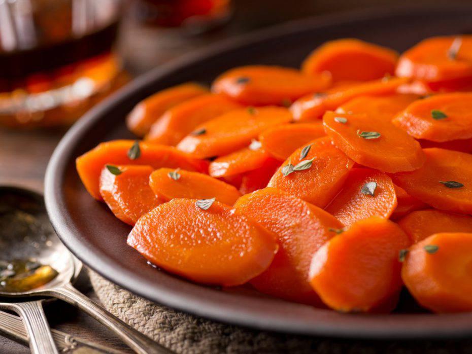 carote e noci in padella