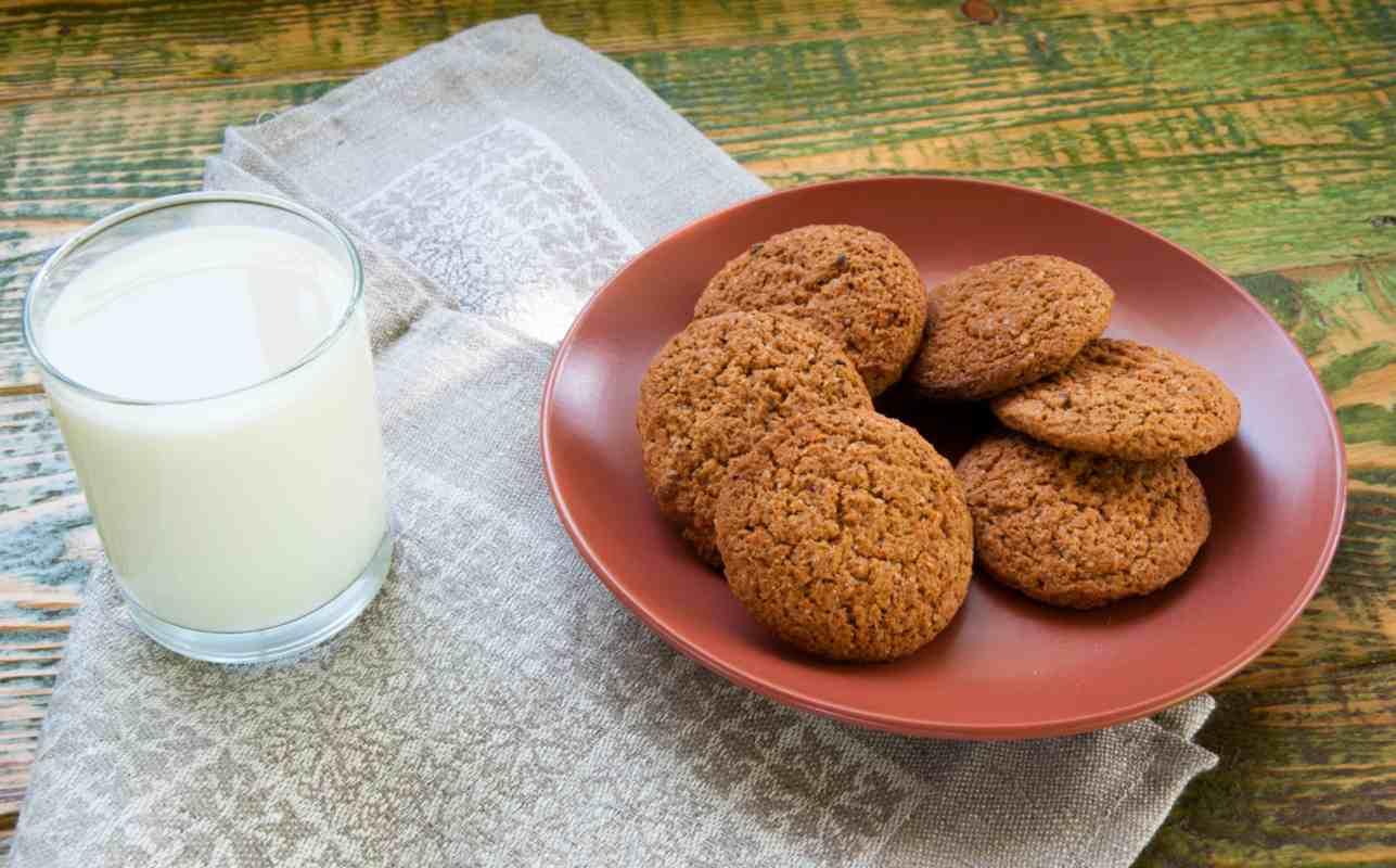 Biscotti ai cereali, buonissimi e preparati con soli tre ingredienti