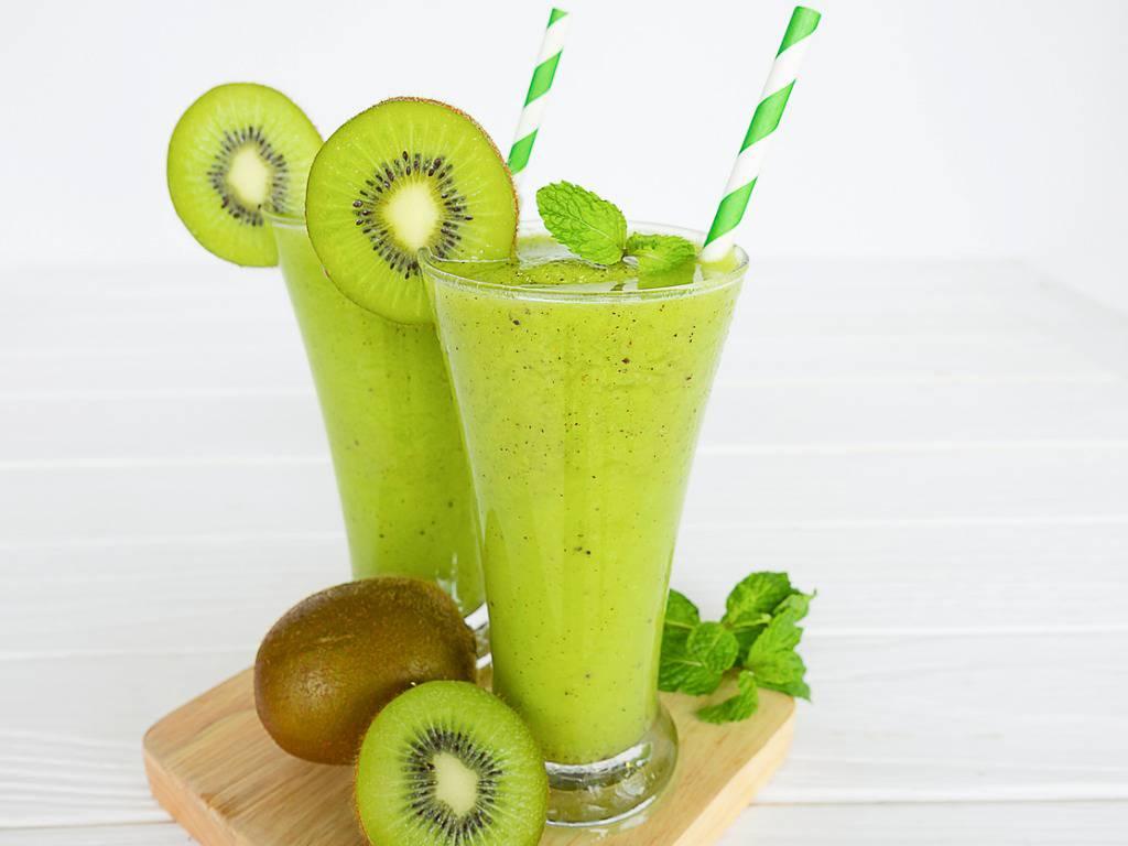 Smoothie kiwi e banana, la ricetta per una dolce e rinfrescante bevanda
