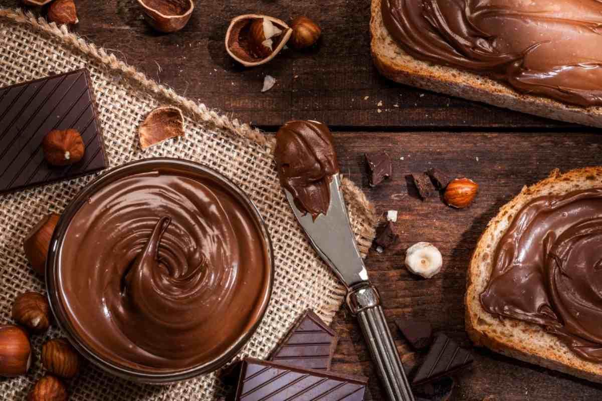 Come preparare la Nutella con il Bimby, la ricetta per una crema super deliziosa