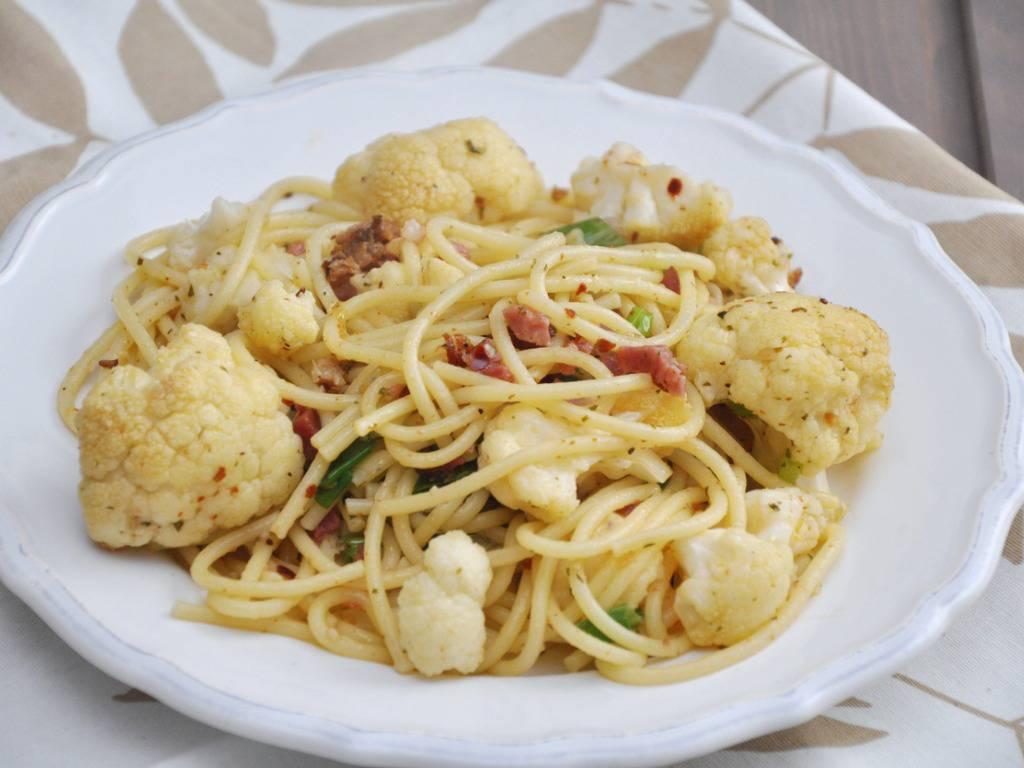 Spaghetti al cavolfiore, un primo piatto economico e saporito da servire