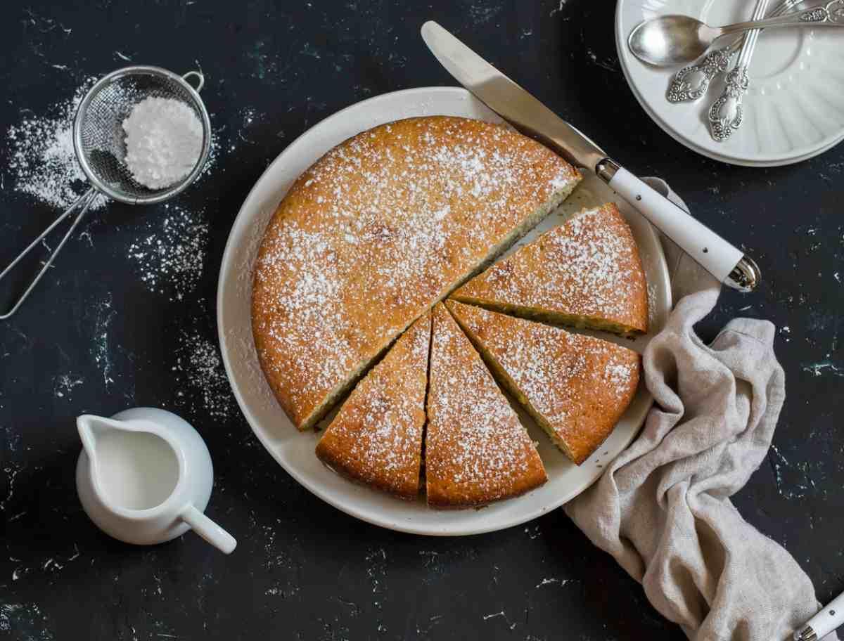 Torta alla camomilla e miele, un dolce leggero per una colazione semplice e golosa