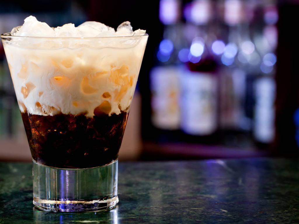 White Russian, la ricetta per un cocktail veloce e gustoso da servire