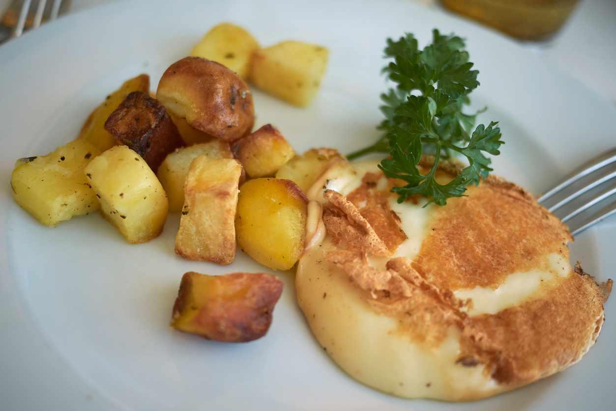 Caciocavallo arrosto, la ricetta tipica calabrese per un piatto irresistibile