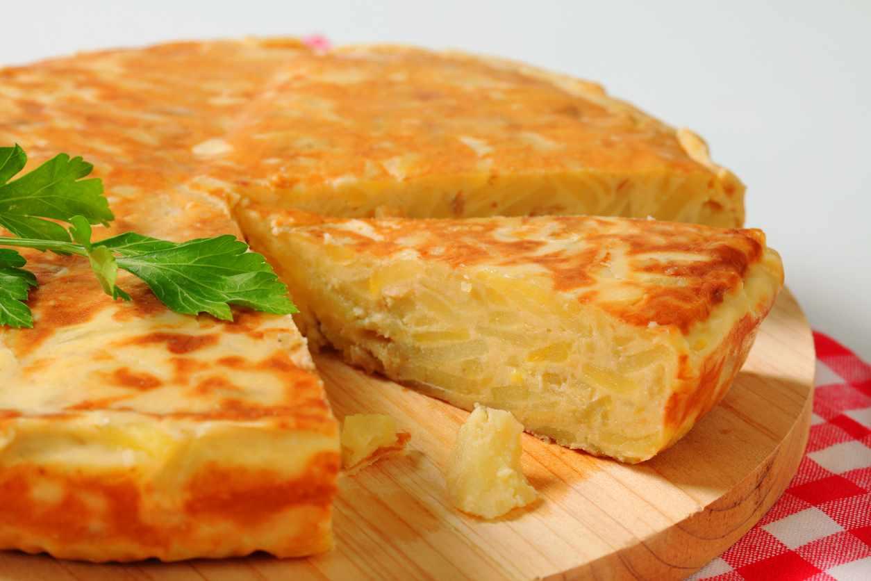Frittata di cipolle di Tropea, la ricetta della Calabria per un piatto saporitissimo