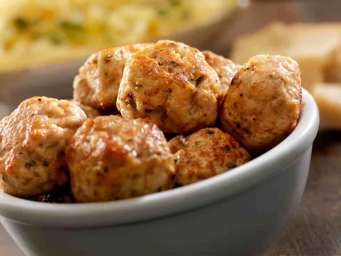 Polpette di carne e salsiccia, gustose e semplicissime da preparare