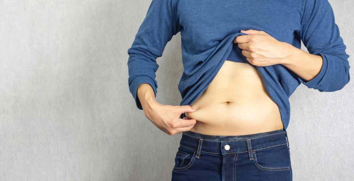 Gonfiore di stomaco: una tisana per risolvere il problema
