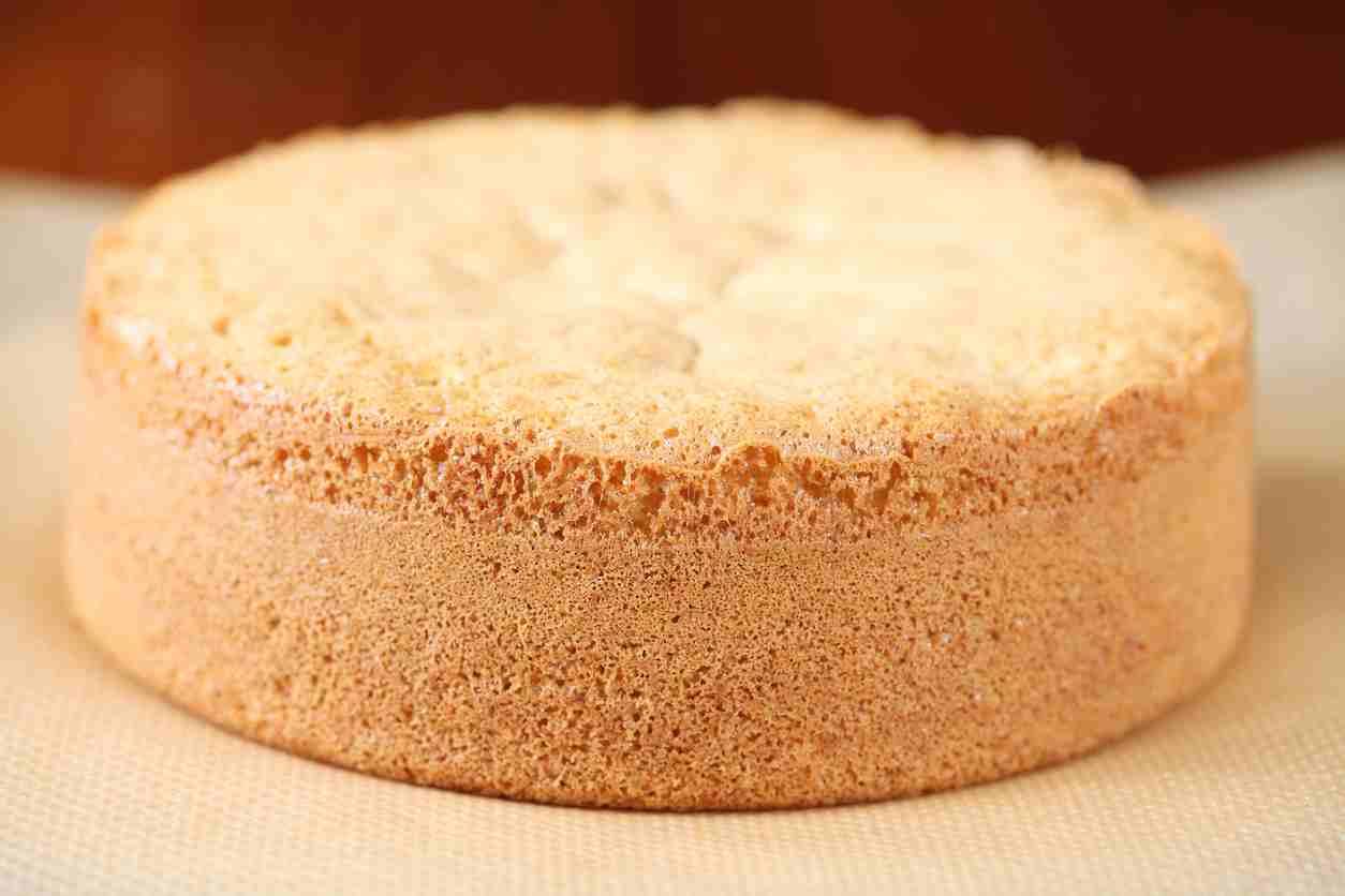 Pan di spagna al mandarino, la ricetta base per un dolce irresistibile