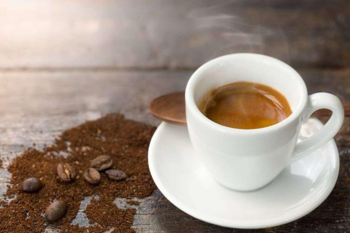 Bere tè bollente aumenta il rischio di cancro all'esofago