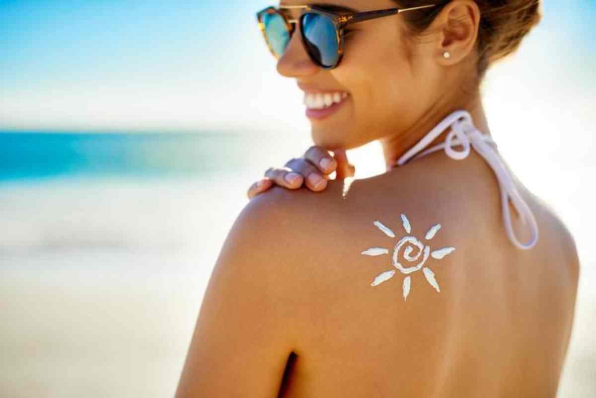 Consigli utili per una prima abbronzatura senza rischi