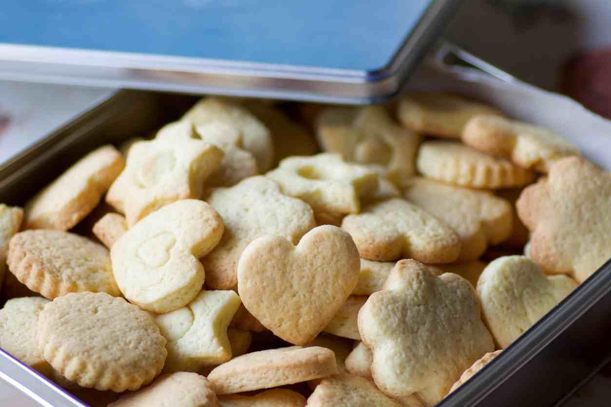 Biscotti al cocco e cioccolato bianco, una pausa profumata e golosa