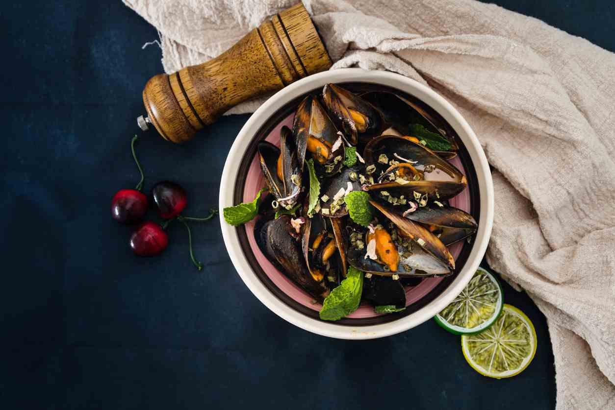 Cozze alla provenzale, un antipasto di mare irresistibile