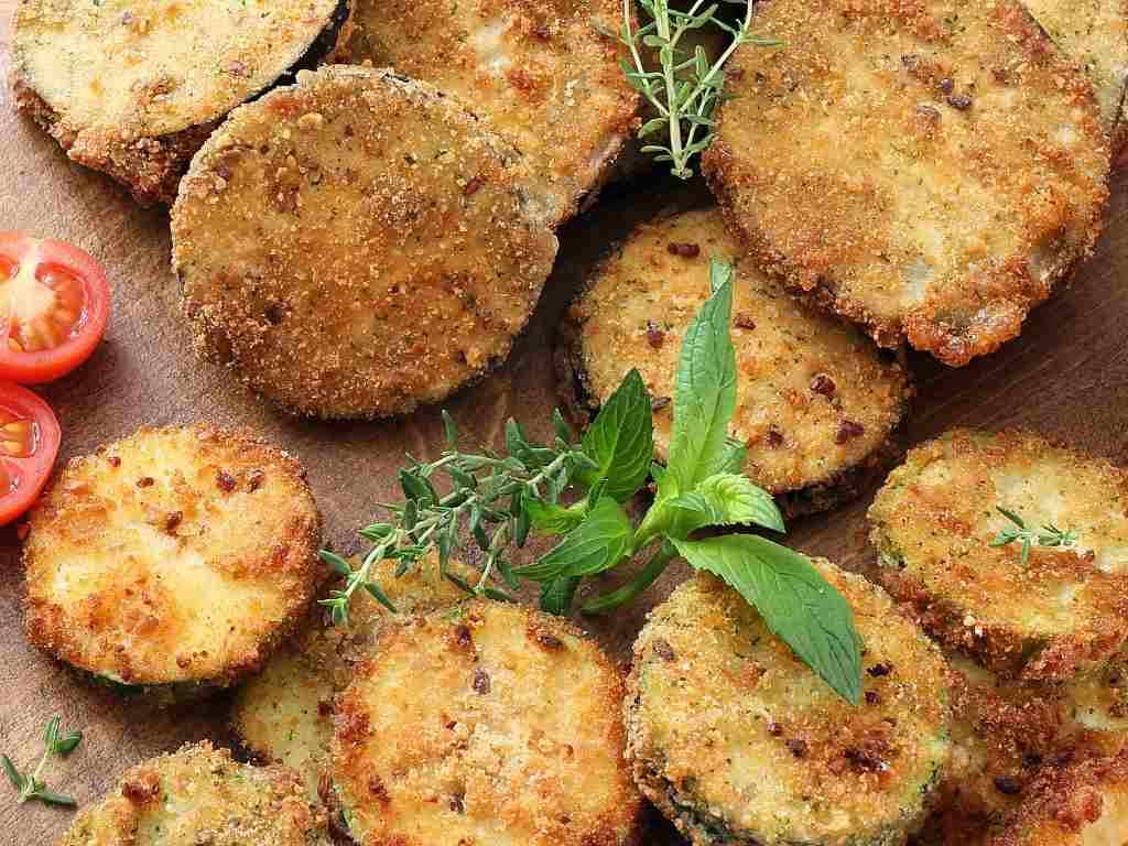 Zucchine croccanti al parmigiano, la ricetta veloce per un contorno saporito