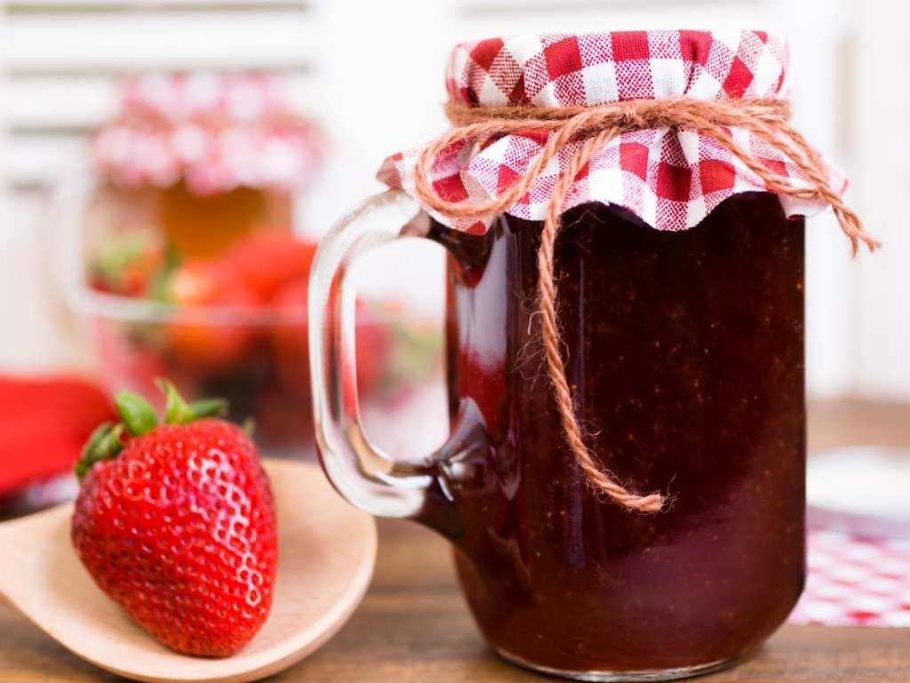 Confettura di fragole con Bimby, la ricetta super veloce!