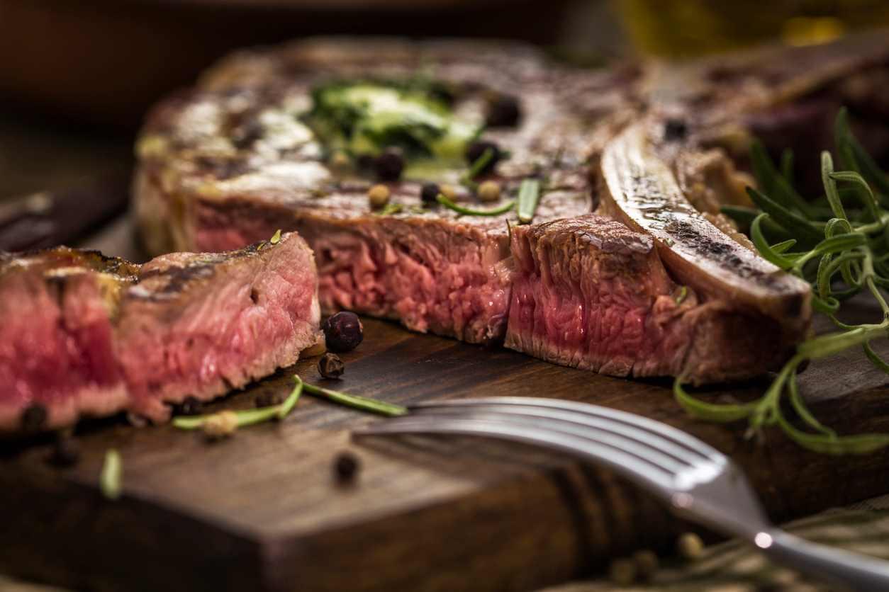 Bistecca alla fiorentina, un secondo piatto di carne squisitissimo e veloce da preparare